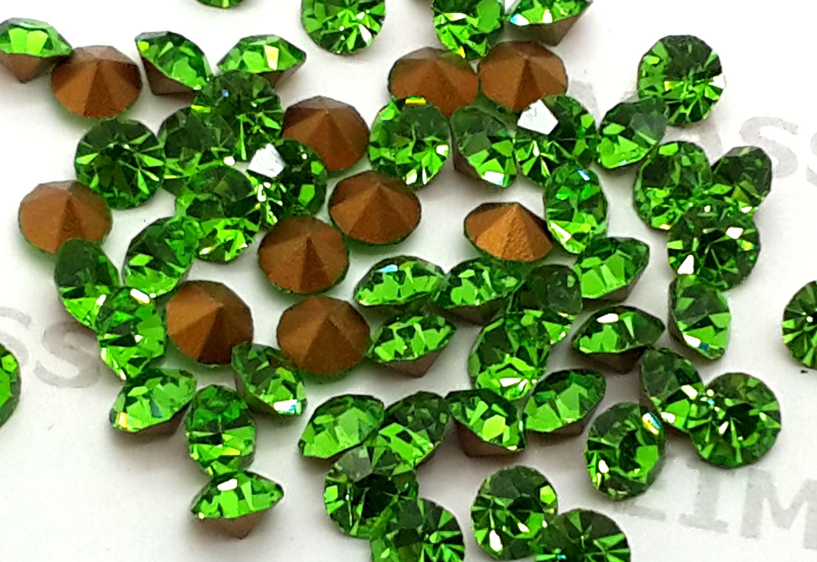 Peridot Lime Green Foiled Chatons Eimass Point Back Crystals